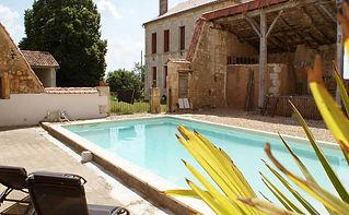 zwembad-op-de-locatie-in-Frankrijk-Dordo