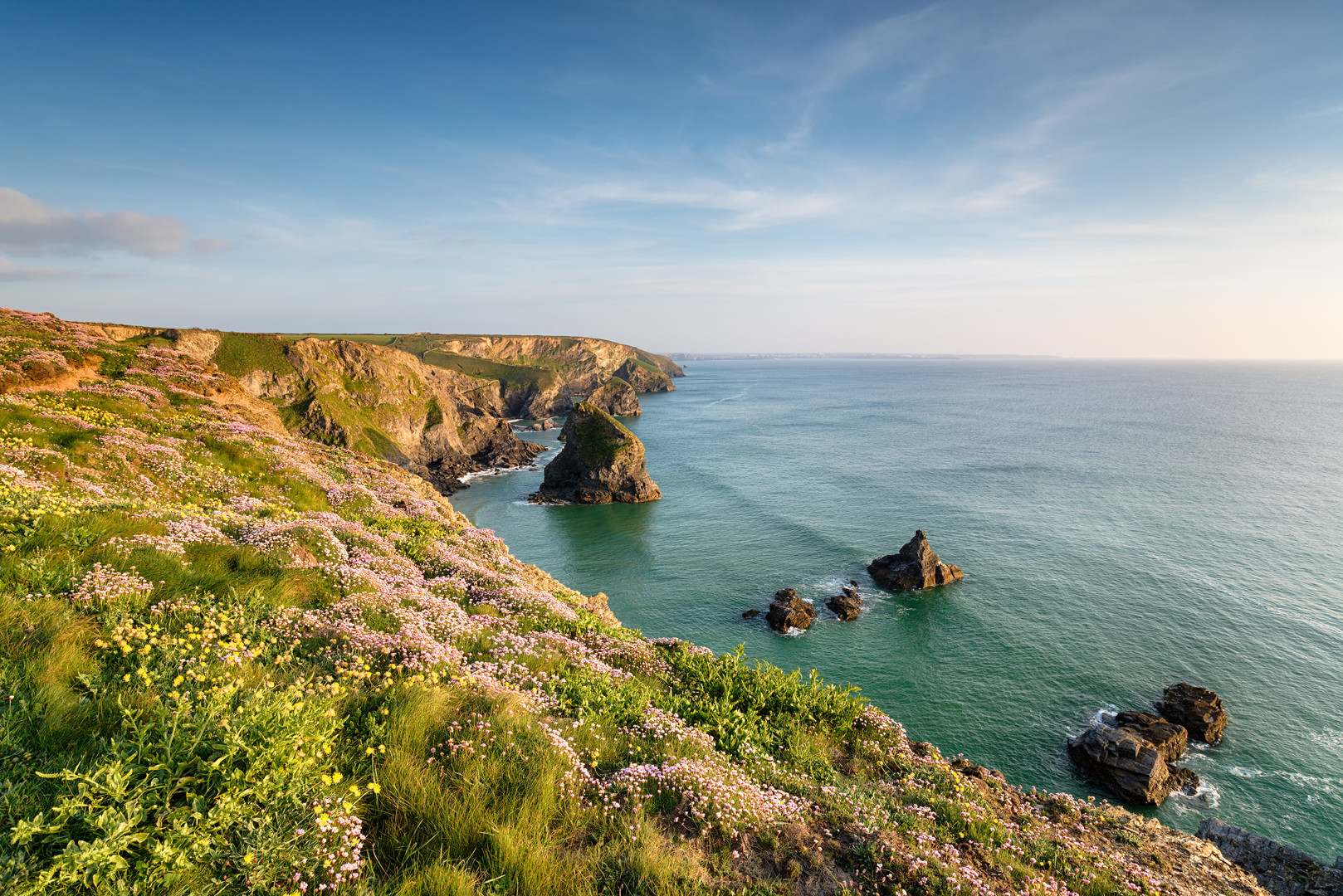 summer-on-the-cornwall-coast-PA7NLTW.jpg