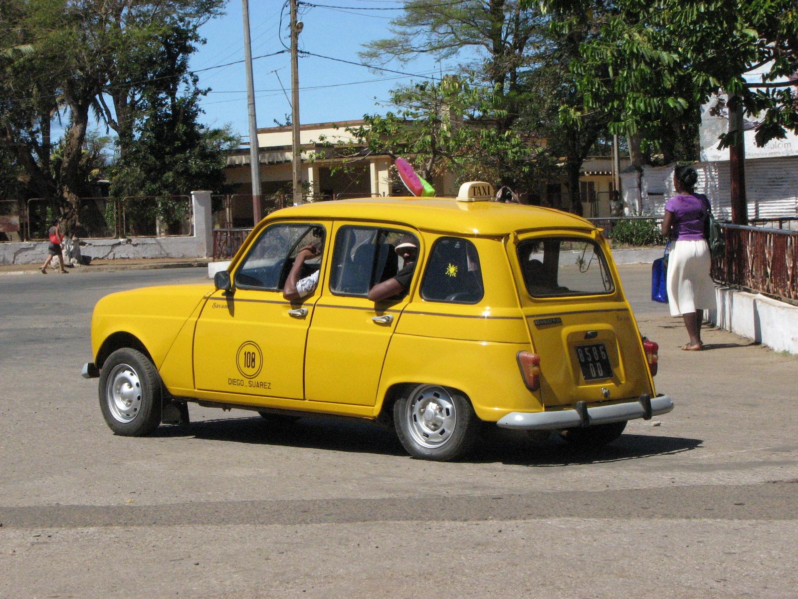 Nosy Bay, taxi local