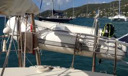 Shanti dinghy bossoirs