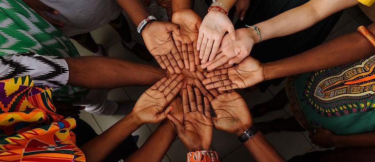 Black hands around a circle facing up