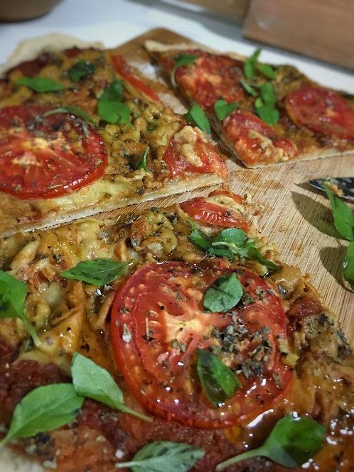 Pizza Marguerita com muçarela de castanha de cajú