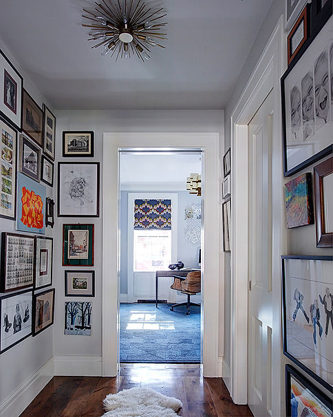 Picture gallery vestibule, home art display