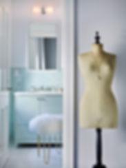 Girl's bathroom, calm green bathroom