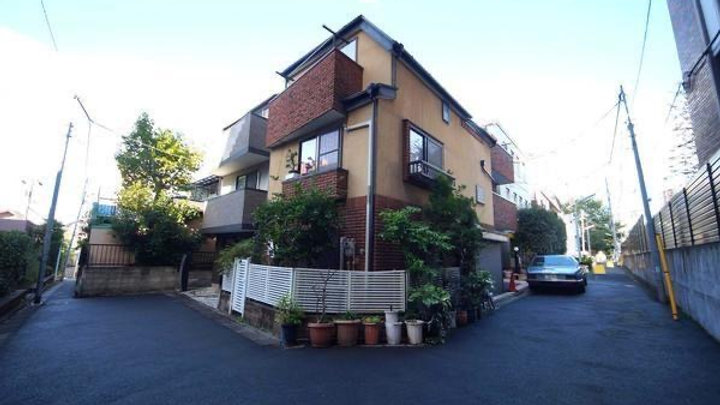 売戸建住宅(南青山1丁目)12000万円(媒介)