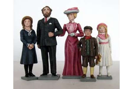 Edwardian Family (painted, on bases)