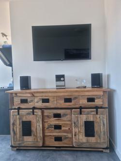 LG-TV und Stereo-Anlage