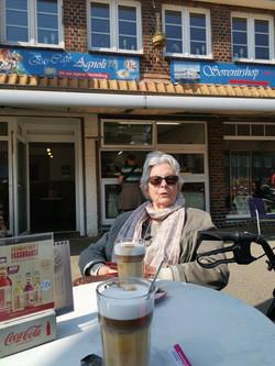 Mal schnell im Eiscafè Agnoli in Cuxhaven am alten Hafen