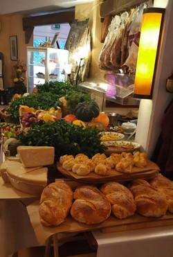 Hier werden Brot und Brötchen noch selbst gebacken