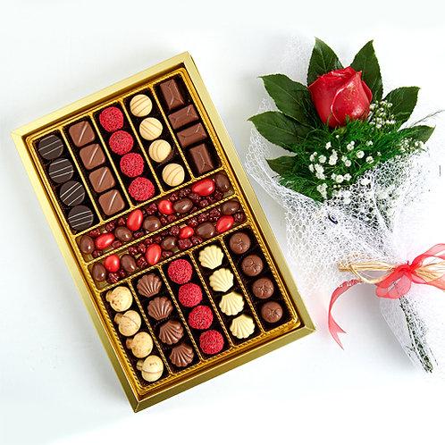 Special Lüks Hediyelik Çikolata  Kutu ve Kırmızı Canlı Gül Buketi