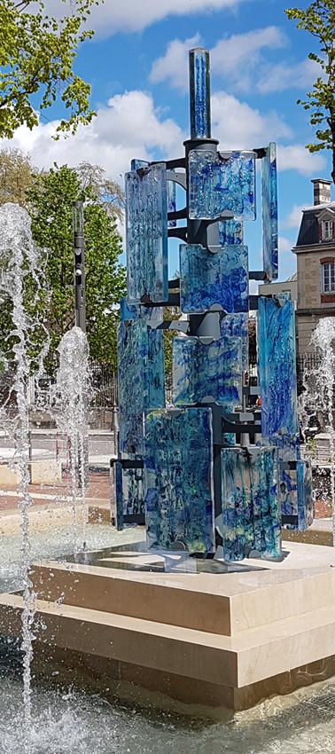 Place de la Tour à Troyes le jour