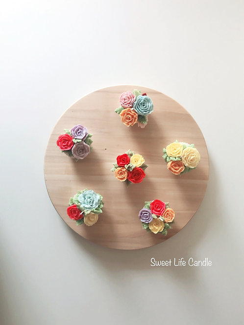 "Soy wax Cupcake Candle -- Collection ""Summer Garden"""