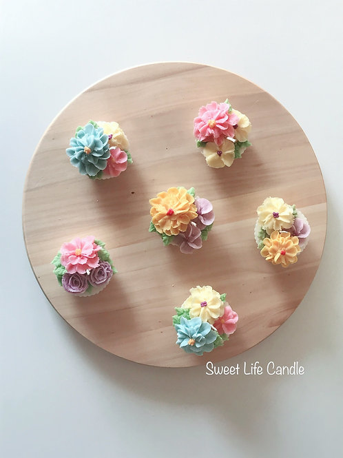 """Soy Wax Cupcake Candle -- Collection """"Dahlia"""""""