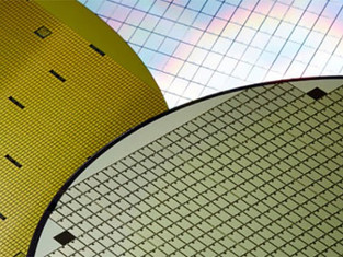 IBM betting carbon nanotubes can restore Moore's Law by 2020