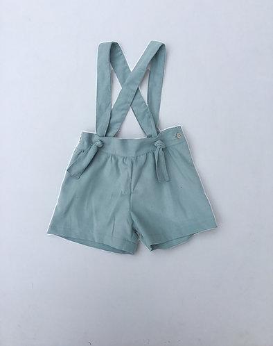 green shorts with straps/ Calções verde com peitilho