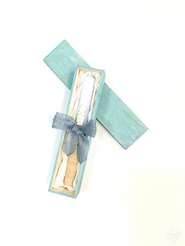 Blue batism candle with box / Vela de batizado azul com caixa