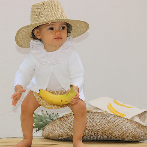 Yellow nappy cover with leaves/ Tapa fraldas amarelo folhas