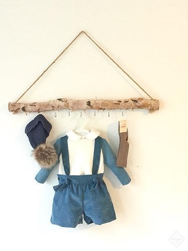 Blue shorts with straps/Calções azuis com peitilho