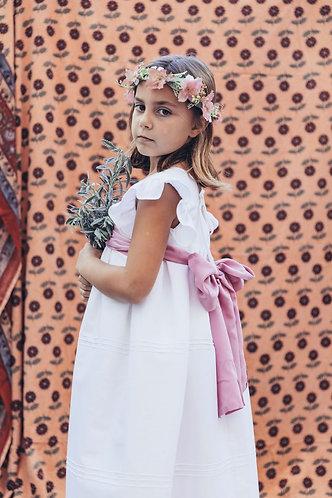 White long dress with ribs/ Vestido branco comprido com nervuras