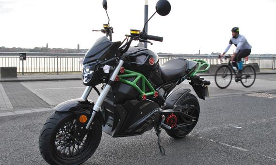 Road_legal_electric_motorcycle_uk_Artisa