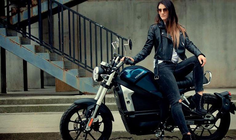 horwin_CR6_electric_motorcylce_city.jpg