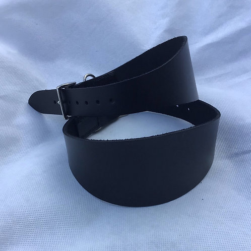 Leather hound collar