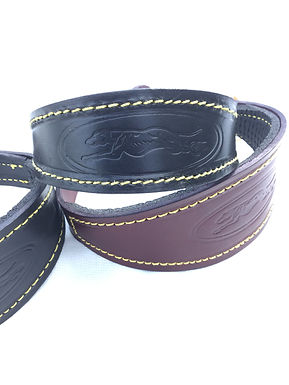 Padded leather collar with emblem