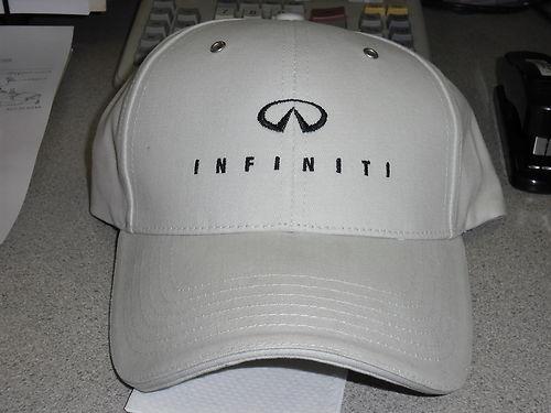 Cap Infiniti logo beige.jpg