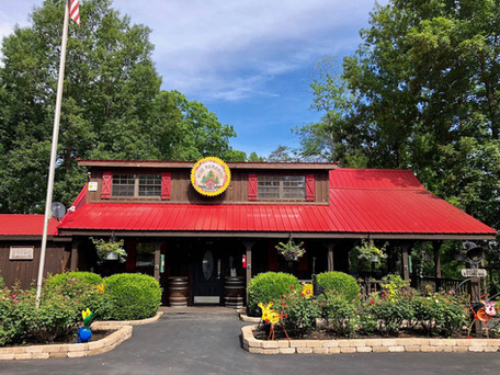 Main Cabine at Pine Paradise Resort