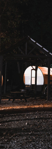 covered-wagons-night.jpg