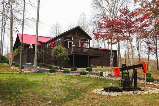 main-cabin-backyard.jpg