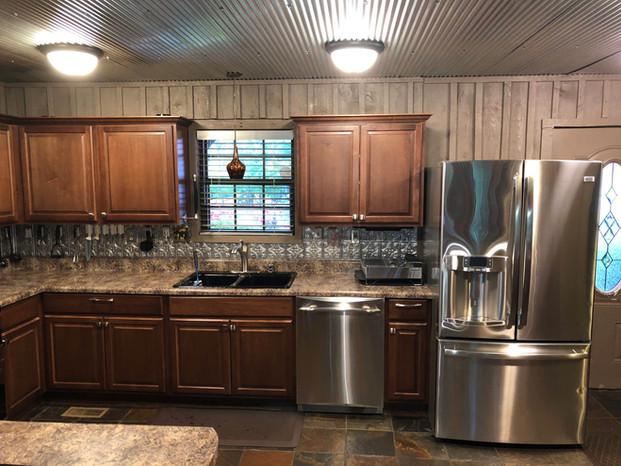 main-cabin-kitchen.jpg
