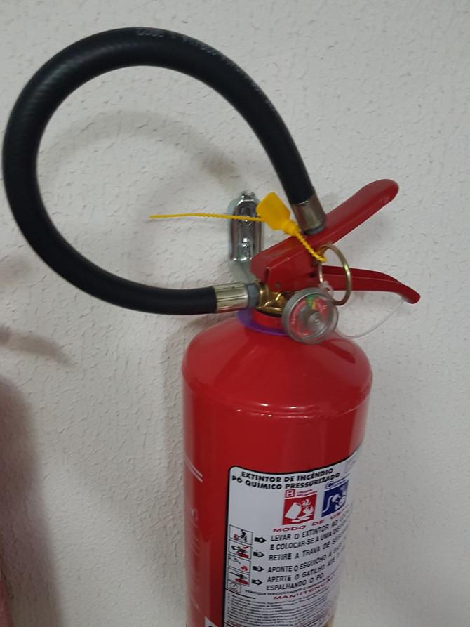 Você sabe qual a cor do anel do extintor que deve ser utilizada em 2018?