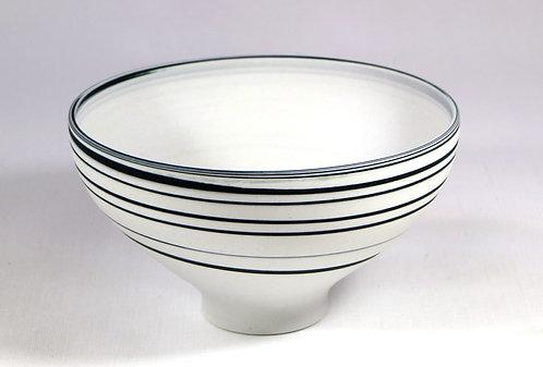 5542 - Black and White porcelain bowl