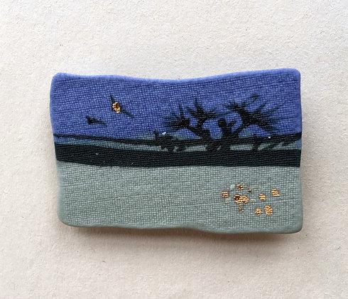 5894 - Porcelain brooch