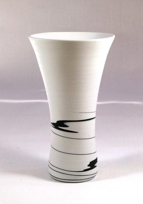 5474 - Black and White porcelain vase