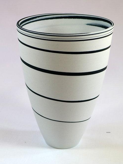 5444 - Porcelain vase