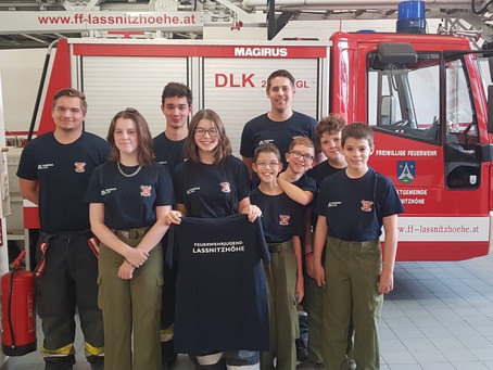 Amtsübergabe und neue Shirts für die Feuerwehrjugend