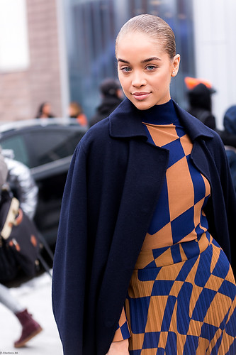 Charlotte Deckers Photography | FashionWeek NewYork AW19 Fashion Streetstyle Golden Barbie