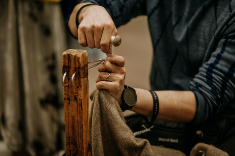 Charlotte Deckers Photography | Event Photographer | Sewing Hands Close up