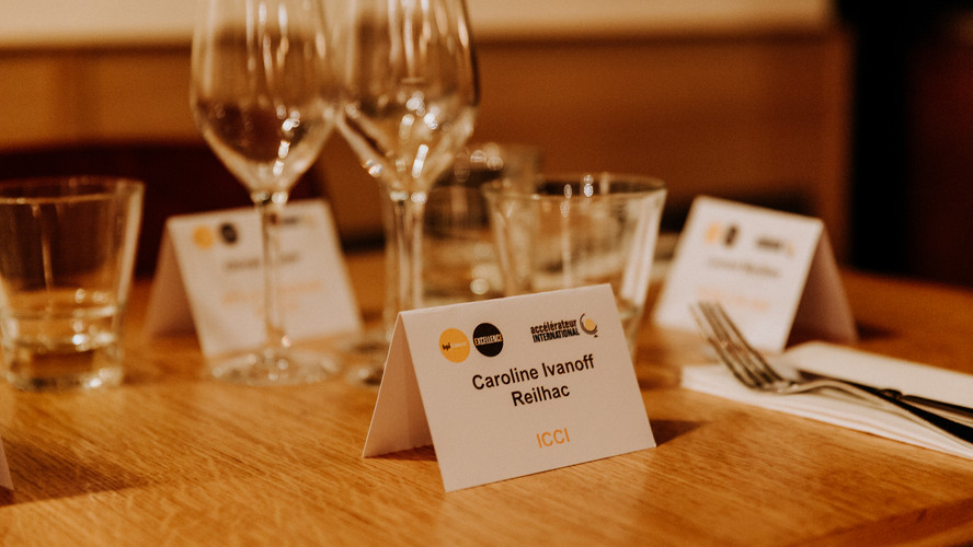 Charlotte Deckers Photography | Event Photographer | Networking Event BPI Close up Table