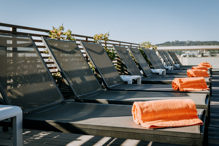 Charlotte Deckers Photography   Hotel Photographer   Rooftop Terrace Pool