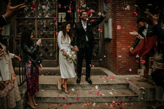 Charlotte Deckers Photography | Wedding Photographer | Couple just Married coming out of Town Hall