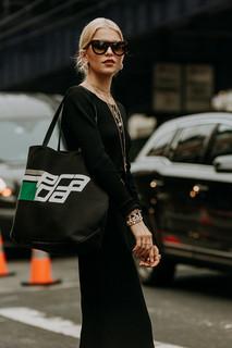 Charlotte Deckers Photography | FashionWeek NewYork SS19 Fashion Streetstyle Caro Daur