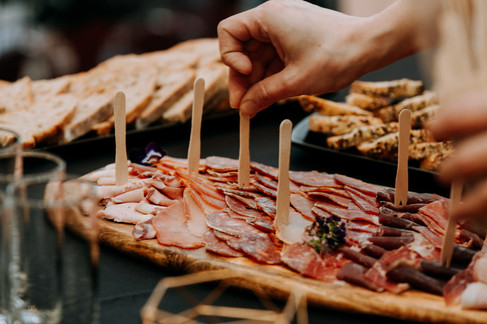 Charlotte Deckers Photography | Event Photographer | Aperitivo Ham Meat Hand Close up