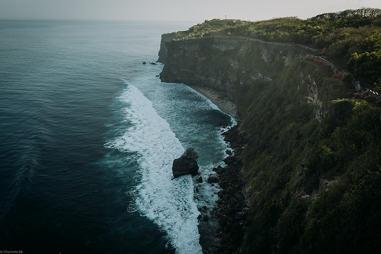 Charlotte Deckers Photography | Travel Photo Bali | Sea Cliffs