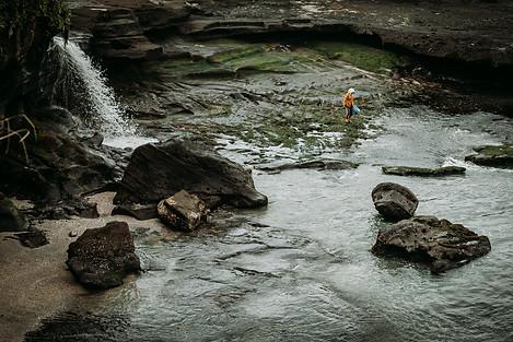 Charlotte Deckers Photography | Travel Photo Bali | Working woman