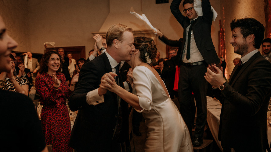 Charlotte Deckers Photography | Wedding Photographer | Bride and Groom Dancing