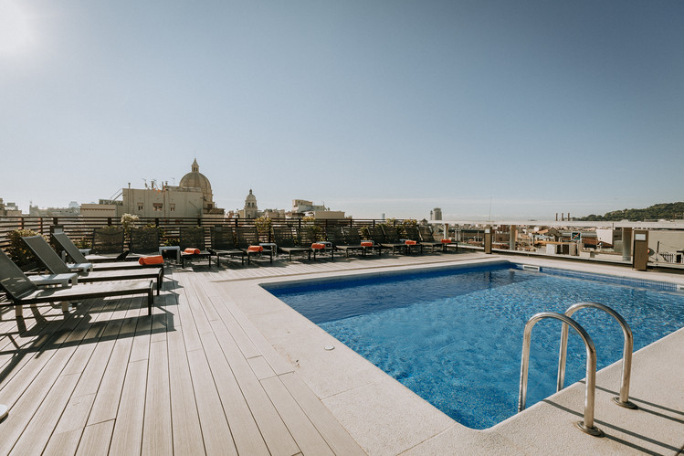 Charlotte Deckers Photography   Hotel Photographer   Rooftop Terrace with Pool