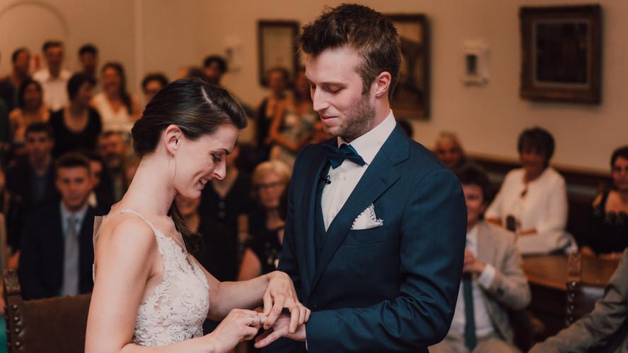 Charlotte Deckers Photography | Wedding Photographer | Bridal Couple Exchanging Alliances